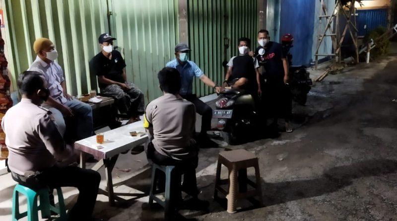 Ngeriung Sambil Ngopi Upaya  Polsek Walantaka Dalam Menyampaikan Himbauan Prokes Covid-19