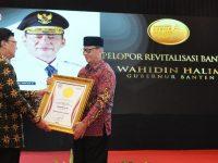 Gubernur WH Raih Penghargaan Pelopor Revitalisasi Banten