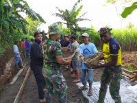 Semangat Warga Kedungsari Imbangi Kekompakan Prajurit TNI