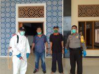 Cegah Virus Corona, Tempat Ibadah di Cisait Puri Pratama Disemprot Disinfektan