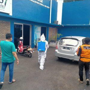 Memutus Mata Rantai Covid 19, PWI Banten Disemprot Disinfektan