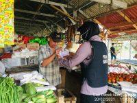 *Melalui Patroli Nong Jawara, Polwan Polda Banten Ajak Masyarakat Di Pasar Pandeglang Patuhi Prokes*