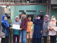 Tanamkan Kepedulian Sosial, Kabes SDN Pandeglang 4 Kunjungi Korban Kebakaran