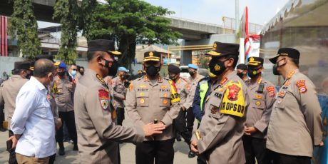 *Irwasum Polri Tinjau Pos Pengamanan Lebaran di Merak Banten*