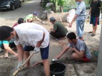 Perbaikan Jalan, Komplek BPP Pelamunan Lakukan Gotong Royong