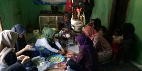 Tingkatkan Kualitas Pendidikan Dan Ekonomi Warga, KKM 79 Unsera Lakukan Bedah Sekolah Dan Inovasi Produk Olahan Bandeng