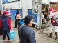 PMI Kota Tangerang Lakukan Penyemprotan Disinfektan Di Wilayah  Kecamatan Larangan