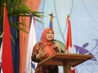 Wisudawan STAI -STKIP Babunajah, Diminta Aktualisasikan Ilmu Yang Didapat Untuk Masyarakat